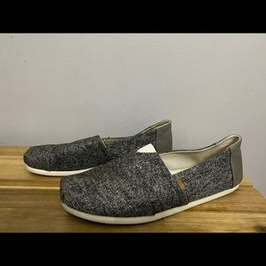 Toms slip on shoe